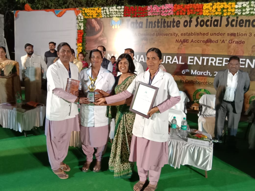 Sindhu.TV, Jiji Royson and Hena receives award